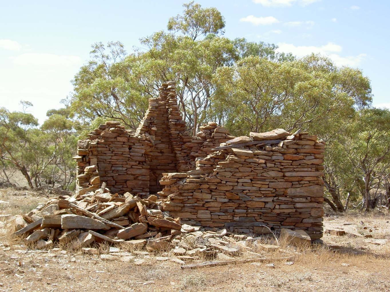 Shepherd's hut ruin 3_Bimbowrie_lores